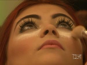 Maquiagem (Foto: Reprodução / TV Mirante)