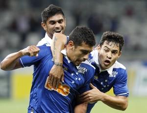 Luan; Diego Souza; Vinícius Araújo; Cruzeiro; Mineirão (Foto: Washington Alves / Vipcomm)