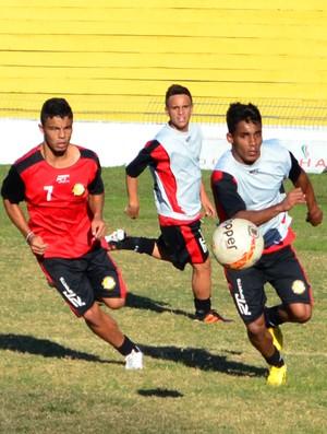 Treino do Joseense (Foto: Danilo Sardinha/Globoesporte.com)