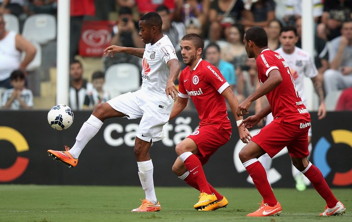 robinho claudio winck santos x internacional (Foto: Getty Images)