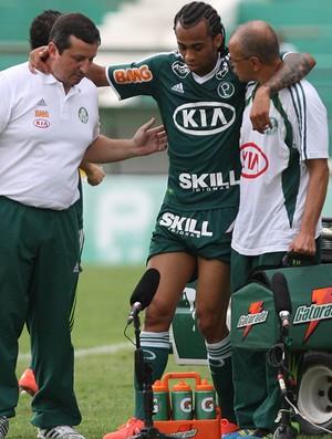 Wesley Palmeiras machucado (Foto: Marcio Fernandes / Ag. Estado)