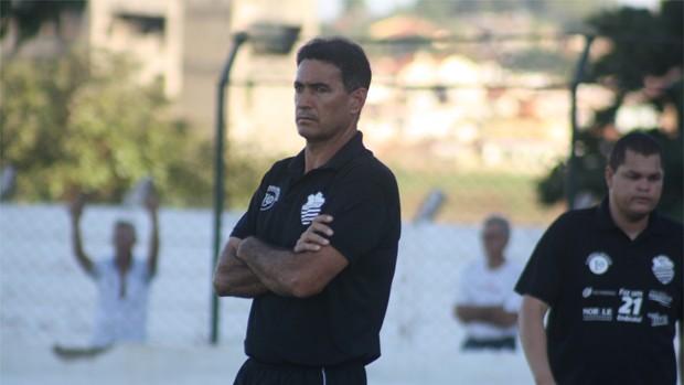 Paulo Cezar Catanoce, técnico do Comercial (Foto: Cleber Akamine / Globoesporte.com)