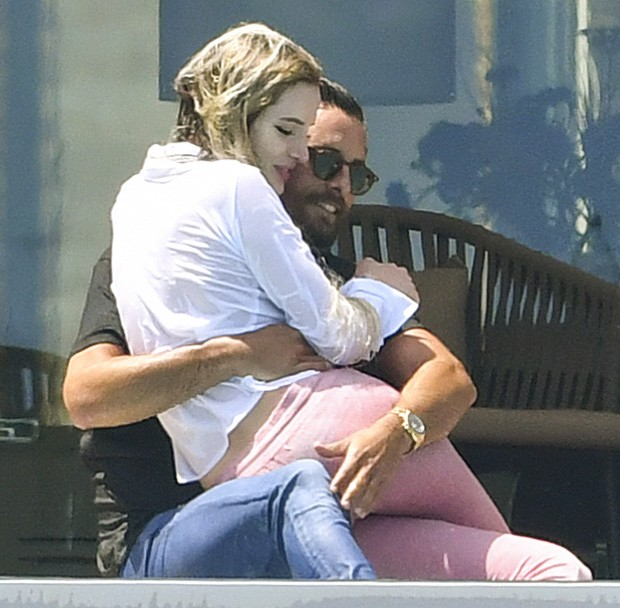 Bella Thorne e Scott Disick (Foto: Grosby Group)