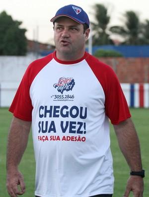 Treinador Vica do Fortaleza, Pici, Série C 2012 (Foto: Fabiane de Paula/Agência Diário)