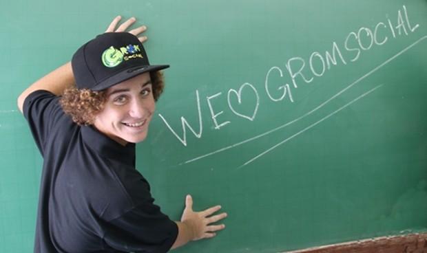 Zach Marks, criador da Grom Social, visitou alunos de um colégio particular em Mogi das Cruzes (Foto: Jean Melo/Divulgação Colégio Brasilis)