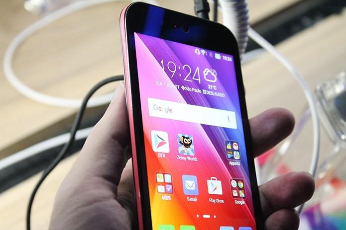 Asus Live é o novo smartphone da companhia (Foto: Leonardo Ávila/TechTudo)
