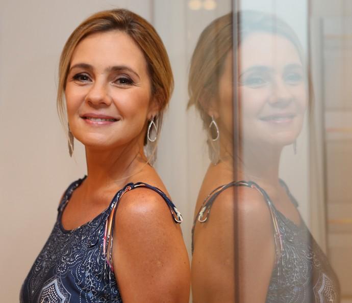 Adriana Esteves afirma que adora contar histórias de amor (Foto: Carol Caminha/Gshow)