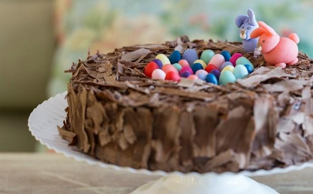 Torta de brigadeiro para a Pscoa - Leckerhaus (Foto: Divulgao / Marcelo Donadussi )