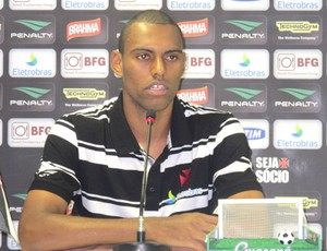 Zagueiro Douglas do Vasco (Foto: André Casado / Globoesporte.com)