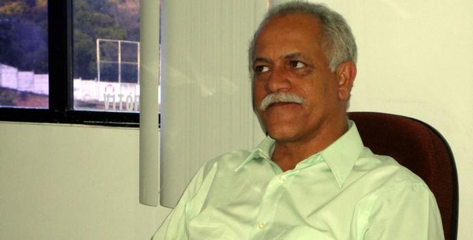 Raimundo Queiroz, diretor de futebol do Vitória (Foto: Raphael Carneiro/Globoesporte.com)