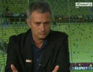 Mourinho comentarista (Foto: Divulgação/Al-Jazeera)