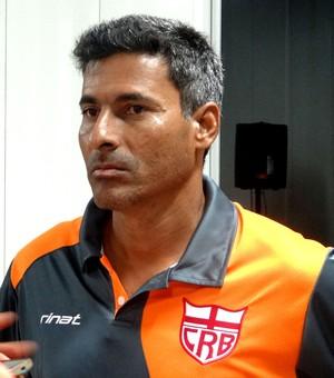 Adriano Oliveira preparador físico CRB (Foto: Denison Roma/GloboEsporte.com)