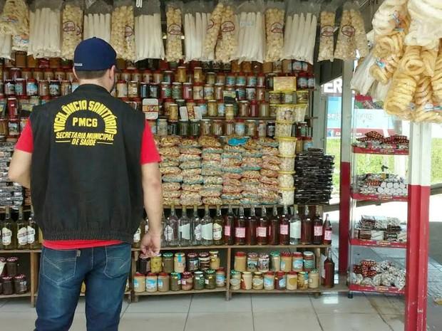 Agentes vistoriaram dez comércios (Foto: Divulgação/ Polícia Rodoviária Federal)