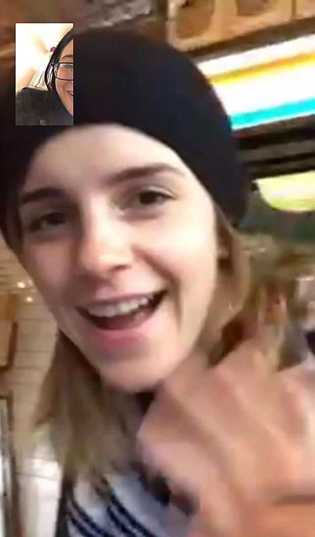 Emma Watson liga para fã pelo FaceTime (Foto: Reprodução)