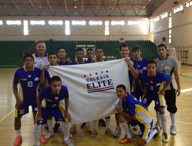 Colégio Elite é campeão de futsal em Malta (Foto: Reprodução / Facebook)