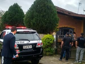 Polícia cumpriu cinco mandados de busca na cidade (Foto: Divulgação / Polícia Civil)