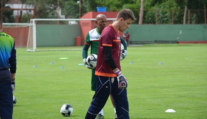 Goleiro, que chegou em 2016, atuou em apenas 1 partida pela Série C e agora quer a chance de jogar com mais frequência pela equipe de Varginha (Foto: Lucas Soares)
