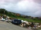 Terreno abandonado e lixo são problemas em Praia Grande, SP