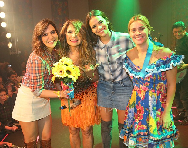 Carol Sampaio, Elba Ramalho, Bruna Marquezine e Carolina Dieckmann (Foto: Reginaldo Teixeira/CS Eventos Divulgação)