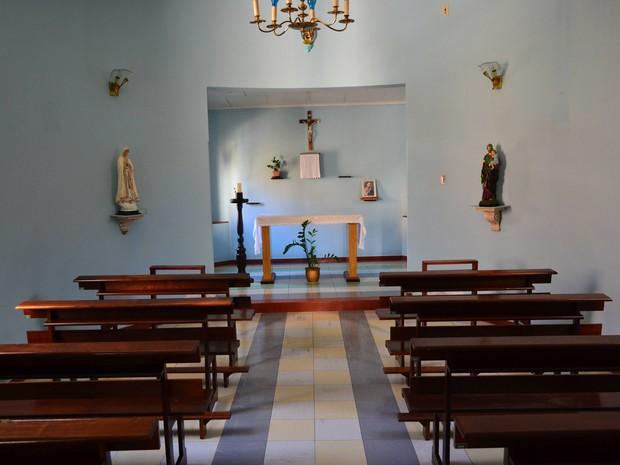 Bebê estava sobre o altar da igreja do hospital quando voltou a respirar (Foto: Luiz Guilherme Bannwart/Tanosite.com)