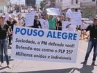 PMs e bombeiros se manifestam nas principais cidades do Sul de Minas