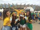 Direto de Belo Horizonte, gatas do balé formam torcida para o Brasil