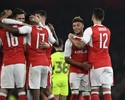 Chamberlain brilha, e Arsenal avança na Copa da Liga; Newcastle atropela