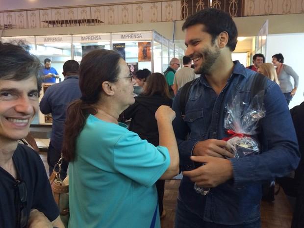 Bete Mendes e Armando Babaioff Atores Festival de Cinema de Gramado (Foto: Paula Menezes/G1)