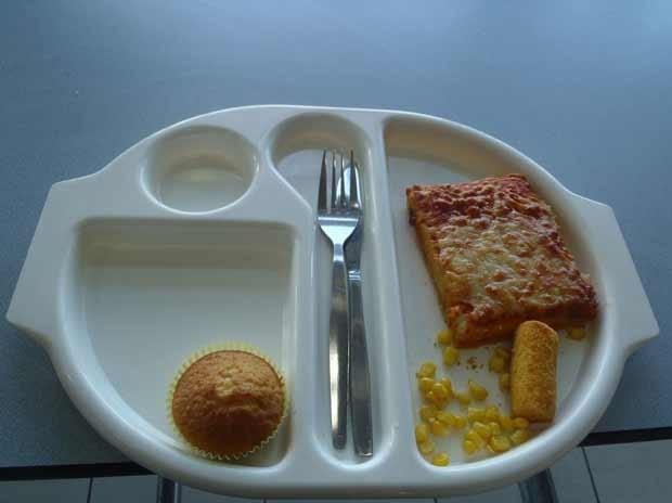 Foto de comida postada por Martha Payne em seu blog (Foto: BBC)