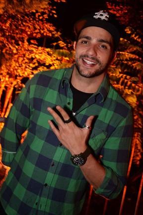 Ex-BBB Junior em festa no Rio (Foto: Ari Kaye/ Divulgação)