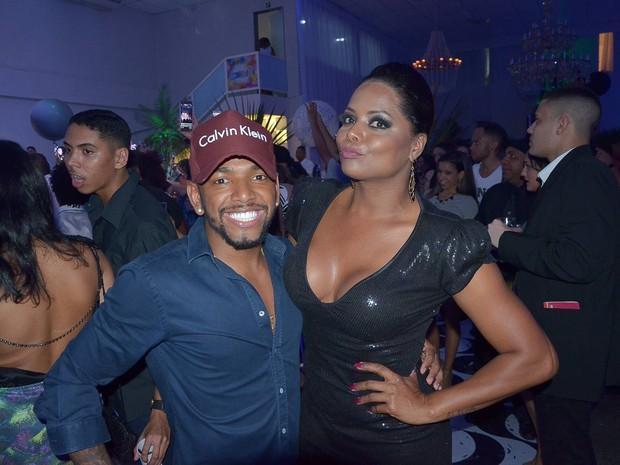 Nego do Borel e Adriana Bombom em festa na Zona Oeste do Rio (Foto: Rogerio Fidaldo e Rodrigo Sinhá/ Ag. News)