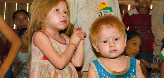 Fotógrafo diz que ao todo na aldeia, existem três crianças albinas (Foto: Tiago Araújo/Arquivo pessoal)