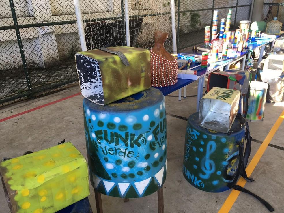 Projeto social Funk Verde utiliza materiais recicláveis para criar instrumentos musicais e fazer música. (Foto: Bruno Albernaz)