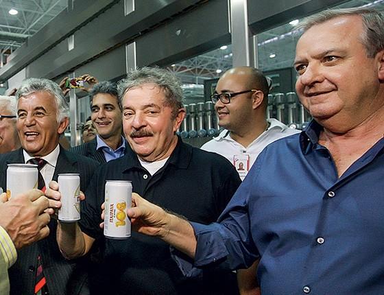 Lula e Walter Faria em inauguração de uma fábrica da Itaipava    (Foto: Valter Pontes/Secom)