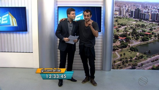 Humorista Eduardo Sterblitch se apresenta em Aracaju