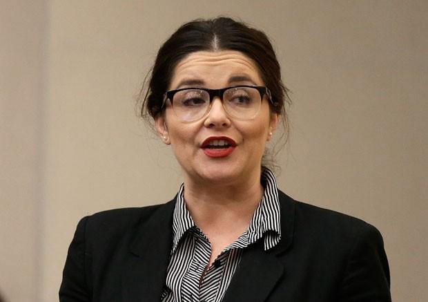 Atriz pornô Maxine Holloway pediu para órgão não aprovar regulamentação (Foto: Ben Margot/AP)