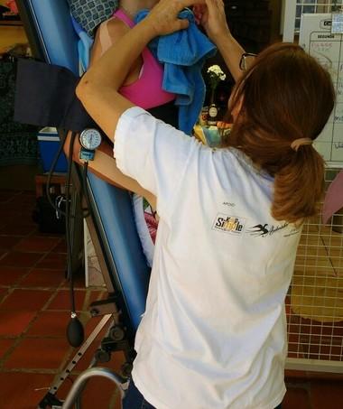 Aline faz uma série de terapias (Foto: Arquivo pessoal/ Nelcy Lucatto)