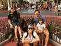 Fernanda Tavares e Murilo Rosa se divertem com os filhos na Disney
