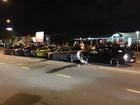 Cinco carros se envolvem em acidente bizarro na Austrália