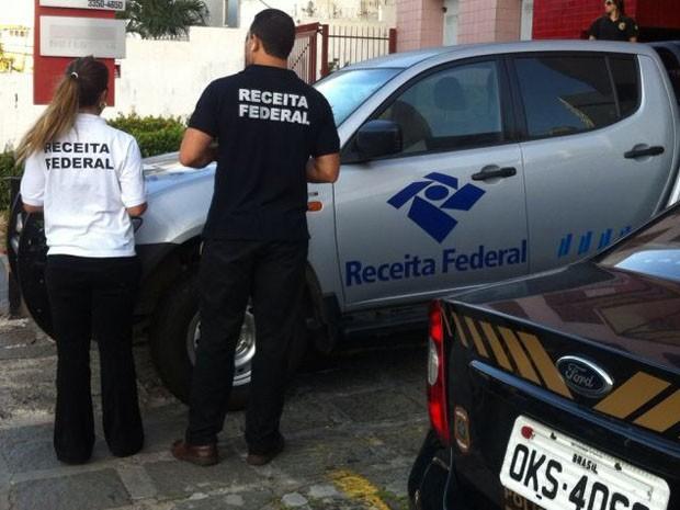 Polícia cumpre 10 mandados de busca e apreensão. (Foto: Divulgação/ Receita Federal)