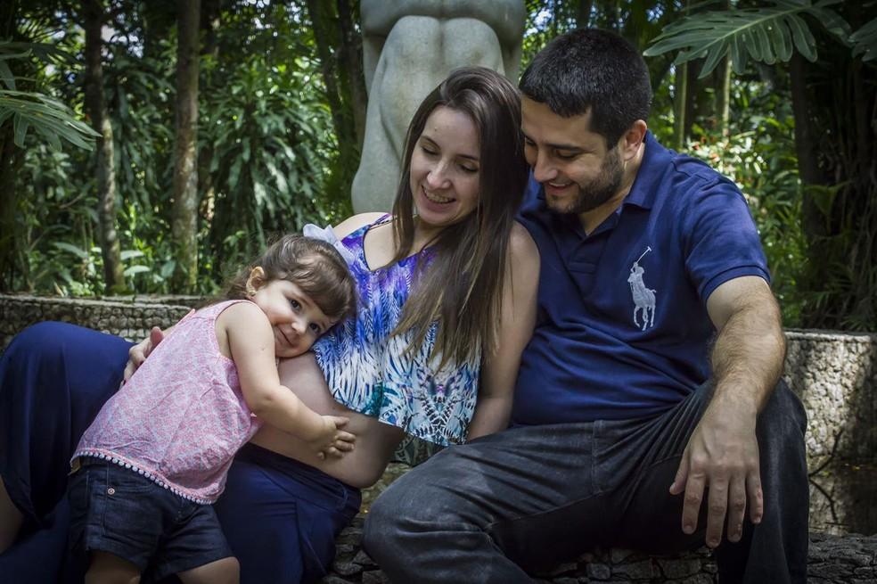 Caterina, ao lado da mãe Silene e do pai Eduardo  (Foto: Arquivo Pessoal)