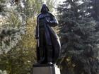 Estátua de Lênin é transformada em Darth Vader no sul da Ucrânia