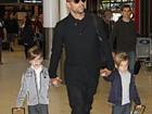 Filhos de Ricky Martin esbanjam estilo na Austrália