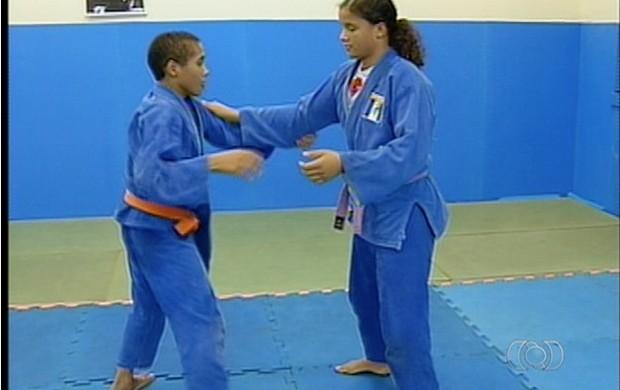 Enilara e Jonas vão representar o tocantins na Copa Periquito (Foto: Reprodução/TV Anhanguera TO)