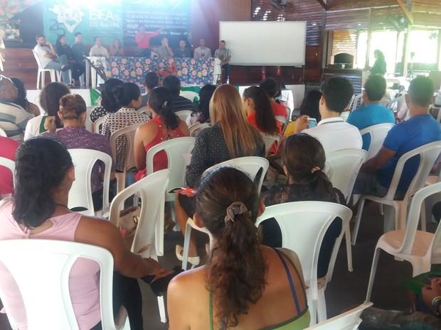 seminário, escolas famílias, agróciolas, dificuldades, repasses, Macapá, Amapá (Foto: Jéssica Alves/G1)