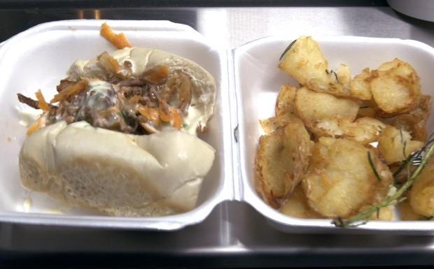 'Food Truck - A Batalha' - Ep.03 - Receita sanduche de carne na cerveja (Adriana Avelar) (Foto: Reproduo/GNT)