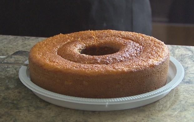 Bolo de milho com goiabada é um dos tradicionais quitutes do período junino (Foto: Roraima TV)