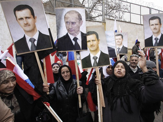 A Rússia é a principal aliada do presidente sírio Bashar al-Assad (Foto: AP Photo/Muzaffar Salman)