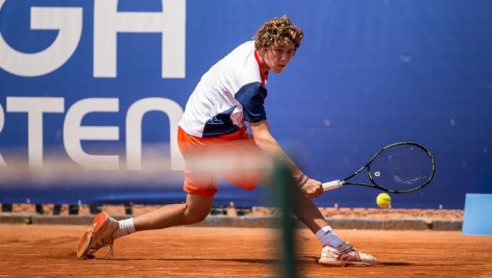 Matheus Queiroz tênis (Foto: Gabriel Heusi/Divulgação)