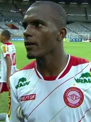 Matheus Oliveira, lateral, Tombense (Foto: Reprodução/Premiere)